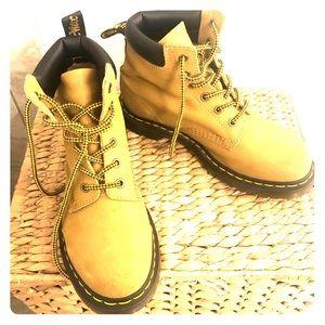 Dr. Martens 939  6 eyelet boots